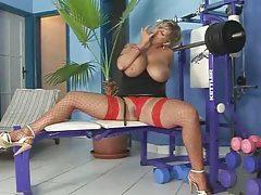 Super Blonde Fuck's In Gym
