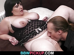 Hot brunette gets her fat pussy plowed