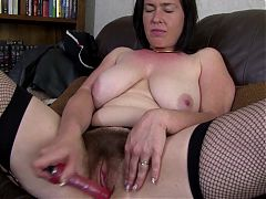 Awesome Mature Mother Makes Her First Porn Video
