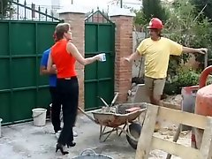 Two Construction Workers Fuck An English Housewife