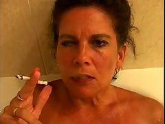 Hot Busty Mature Cougar Smoking 120s In Tub