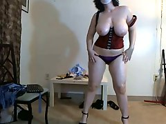 Busty Chubby Girl In Mask Dancing On Webcam