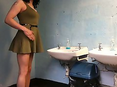 Crossdress In Club Toilets