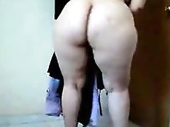 Arab Mature Woman Shows Her Huge Ass