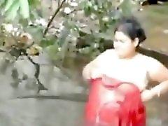Desi BBW Boudii Bathing In Public