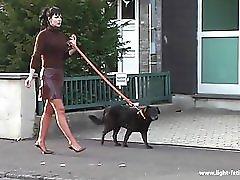 Im Sexy Latex Flatterrock Auf Der Strasse Ihr Scheiss Transvestitenschweine