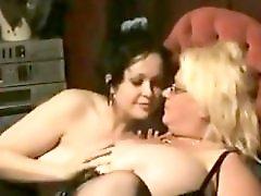 Kinkyandlonelycom Brickhouse BBW In Foursome