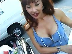 Cougar Sucks Cock Down On Her Knees F70
