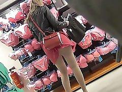 Nylon Street Legs And Hot Upskirt !