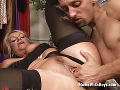 Horny Mama Fucked In A Dresser Room