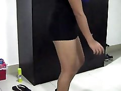 Seduced ! Wild Chubby Thai Girl Dancing In Hotel Room