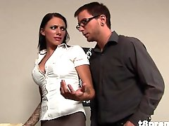 Hot Boss Teaches Bad Employee A Lesson